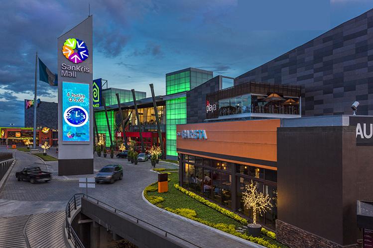 San Kriss Mall, 13 Equipos